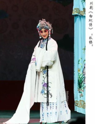 Talk on Sichuan Opera - The Legend of White Snake