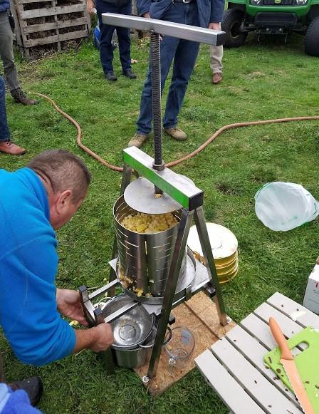 Farm Apple Pressing & Potluck